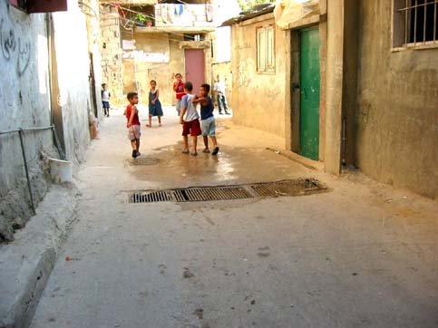 Burj el-Shemali-camp-eishamali__youth_on_street