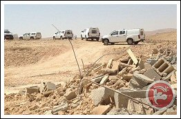 Watch Israeli forces demolish 2 homes in Negev town - Aug 21, 2013 (Click to see the full album)
