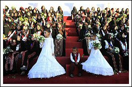 A mass wedding ceremony in Gaza with the support of Sheikh Khalifa Bin Zayed Al Nahyan - Dec 19, 2012