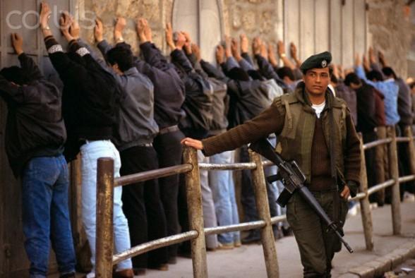 March 1991, Jerusalem, Israel --- Jerusalem police arrest Palestinians Intifada. --- Image by Ricki Rosen/CORBIS SABA