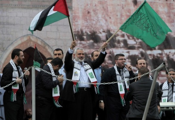 Ismail Haniya (C), Palestinian Hamas lea