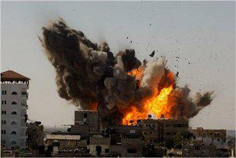 This photo shows one of the strongest explosions in #Gaza today. - Photo by @GazaYBO