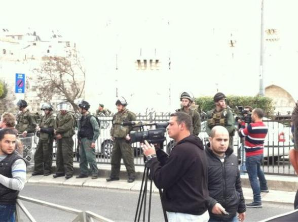 Israeli troops Ready w riot gear Photo by @MikoPeled