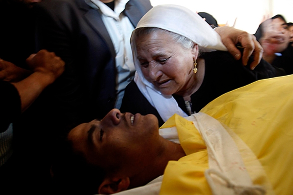in Gaza City, Wednesday, April 4, 2012.  (AP photo/Ashraf Amra)
