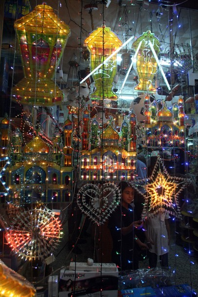 Ramadan lanters and stars on on display in a shop in the West Bank city of Hebron on July 18, 2012, as Muslims welcome the upcoming Muslim holy fasting month of Ramadan. AFP PHOTO / HAZEM BADER