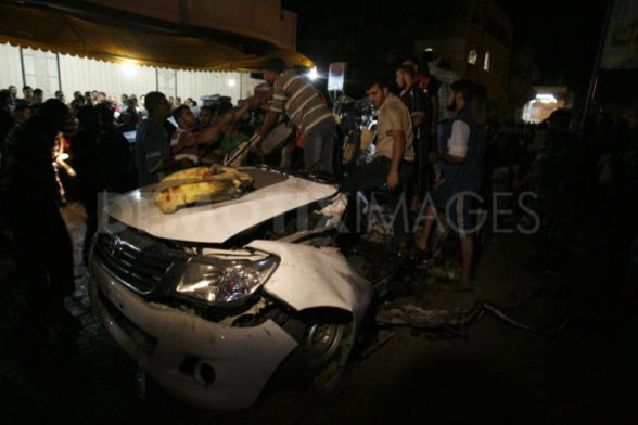 Israeli air strike on Palestinian car leaves two dead in Gaza September 19th, 2012 