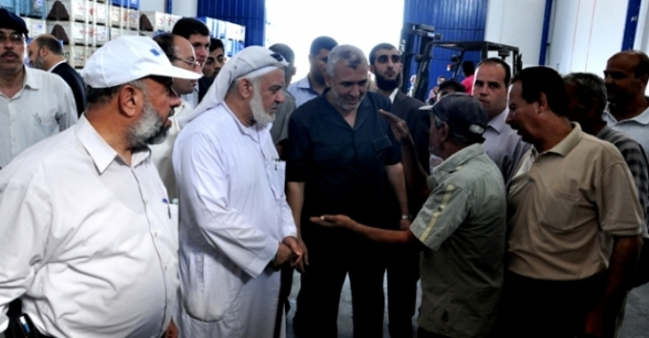 Minister of Agriculture inspects the olive presses in Gaza