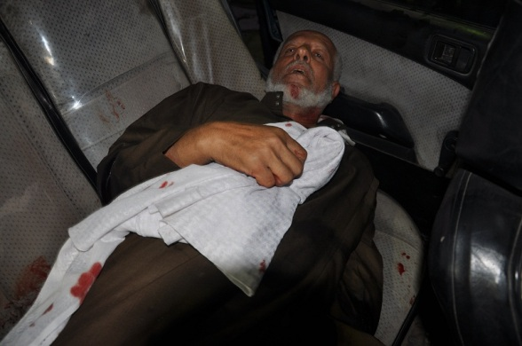 Wounded old man due to Israeli attacks, Nov 10, 2012 | Photo via Paltoday.ps