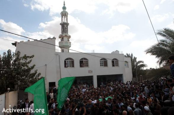Funeral of Hamid Younis Abu Daqqa, 'Abassan al Kabira, Gaza Strip, 9.11.2012</p> <p>Funeral of Hamid Younis Abu Daqqa, shot the day before by the Israeli army with a machine gun from an helicopter, in 'Abassan al Kabira, east of Khan Yunis, gaza Strip, november 9, 2012. Hamid was killed in front of his home located around 1 kilometer from the Green Line. Constant shootings and attacks make it very dangerous for Palestinian to live near the so-called no-go zone imposed unilatarally by the Israeli army. Photo by: Anne Paq/Activestills.org