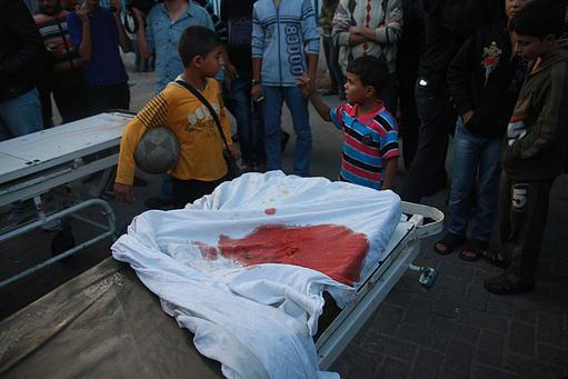 Nov 14 2012 Gaza Under Israel Attack 405091_304572262986051_690203299_n