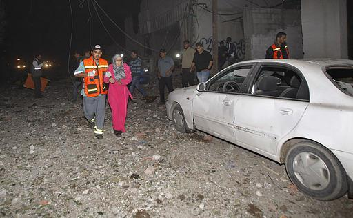 Nov 14 2012 Gaza Under Israel Attack  536565_304571792986098_1513908776_n