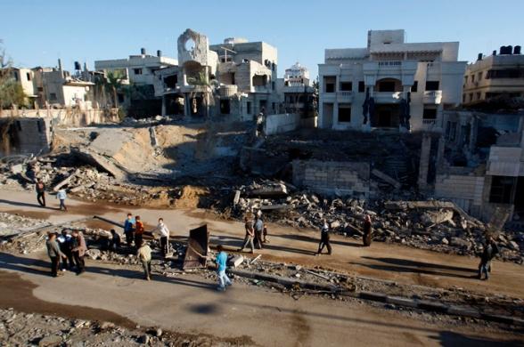 Nov 15 2012 Gaza Under Attack Israel Operation Pillar Cloud - Photo by WAFA