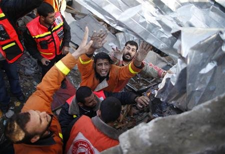 Nov 18 2012 - Gaza Under Attack by Israel Photo 2012-11-18T092750Z_1_CBRE8AH0QAL00_RTROPTP_2_PALESTINIANS-ISRAEL