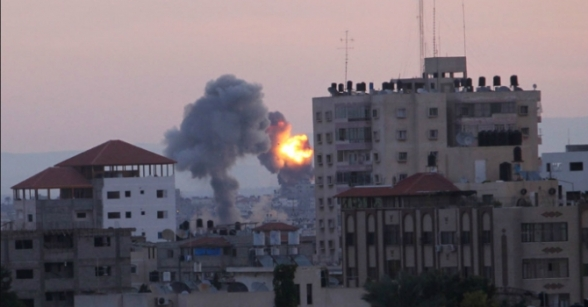 Nov 21 2012 - This is what is happening in Gaza for 8 Days now. Photo via PalToday