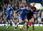 Manchester City's Argentian defender Pablo Zabaleta (R) challenges Chelsea's Belgian player Eden Hazard (2nd R) during the English Premier League football match between Chelsea and Manchester City. (AFP PHOTO/ADRIAN DENNIS)  Read more: http://www.dailystar.com.lb/Sports/Football/2012/Nov-30/196735-footballers-protest-israel-hosting-uefa-euro-u21.ashx#ixzz2DnK4C8KG  (The Daily Star :: Lebanon News :: http://www.dailystar.com.lb)