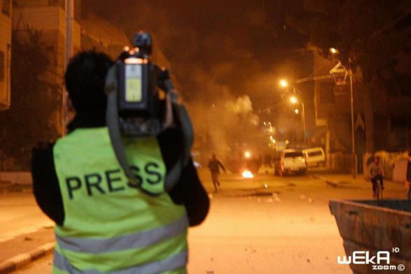 Hebron clashes around 23:35hrs