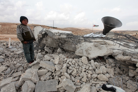 Israeli Forces demolished the mosque of Al Mufaqarah village - H