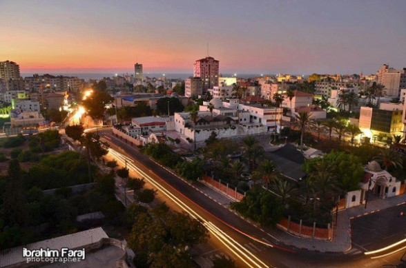 Picture of #Gaza city taken few hours ago by Ibrahim Faraj