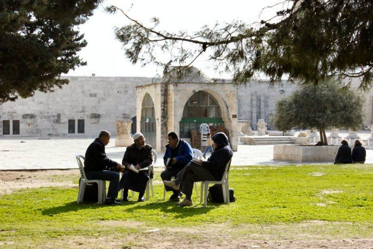   PHOTOS   60 Israeli Settlers storm Al-Aqsa Compound ...