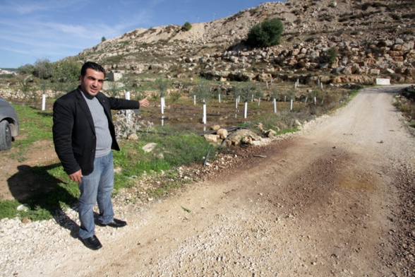 Dec 4 2012 Settlers dump wastewater illegal settlement 27_12_16_4_12_20123