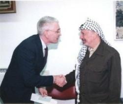 Francis_Boyle_with_yasser_arafat[1]