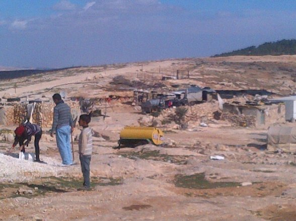 Mufaqra village stone houses &caves the ppl here own the land but Israel dosnt allow them to build