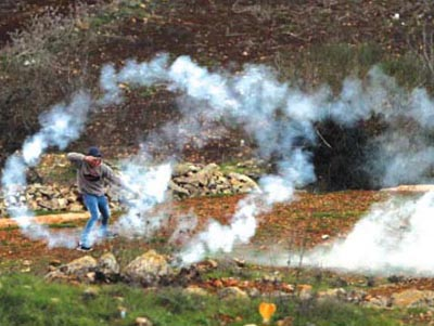 teargas_protest_ofer[1]