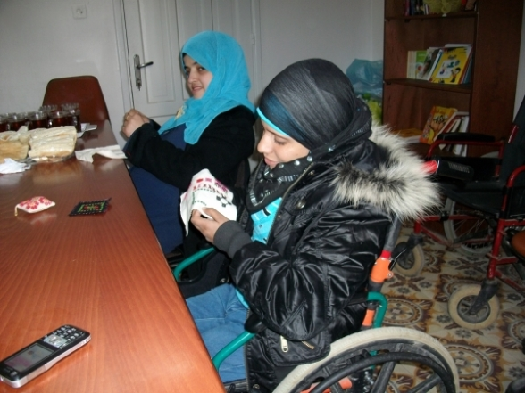 Jan '12 Gaza	 Disabled women embroidering	 Niveen el Saleh