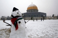 Jan 10 2013 - Al Quds in White - Snow in Palestine - Photo by Afif Amira-WAFA 2