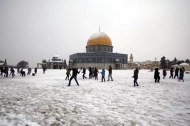Jan 10 2013 - Al Quds in White - Snow in Palestine - Photo by Afif Amira-WAFA 3