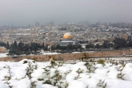 Jan 10 2013 - Al Quds in White - Snow in Palestine - Photo by Afif Amira-WAFA 4