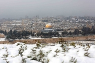 Jan 10 2013 - Al Quds in White - Snow in Palestine - Photo by Afif Amira-WAFA
