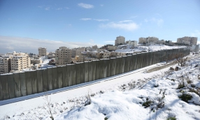 Jan 10 2013 - Al Quds in White - Snow in Palestine - Photo by Afif Amira-WAFA 7