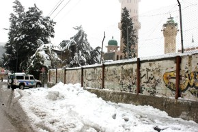 Jan 10 2013 Blanket of snow covers Hebron - Photo by WAFA