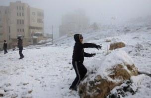 Jan 10 2013 Blanket of snow covers Nablus - Photo by WAFA