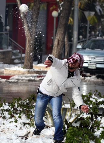 Jan 10 2013 Ramallah covered in Snow - Snow in Palestine - Photo by Eyad Jadallah- WAFA 8
