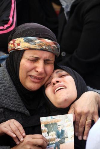 Febr 24 2013 - Family mourns Arafat Jaradat Photo by WAFA