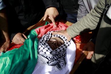 Febr 25 2013 Funeral Arafat Jaradat tortured to death by Israel - Photo by Raya 4