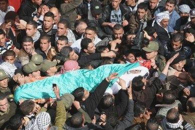 Febr 25 2013 Funeral Arafat Jaradat tortured to death by Israel - Photo by WAFA 4