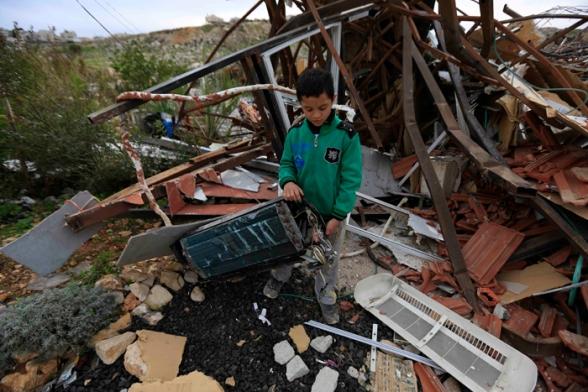 Febr 5 2013 Beit Hanina Home Demolition Palestine - Photo by WAFA 1