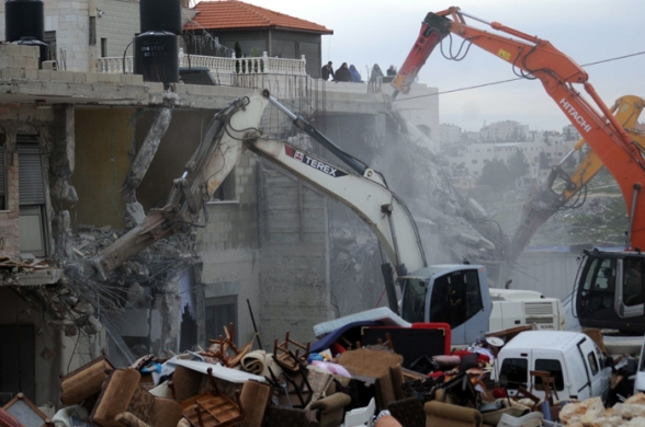 Febr 5 2013 Beit Hanina Home Demolition Palestine - Photo by WAFA 10