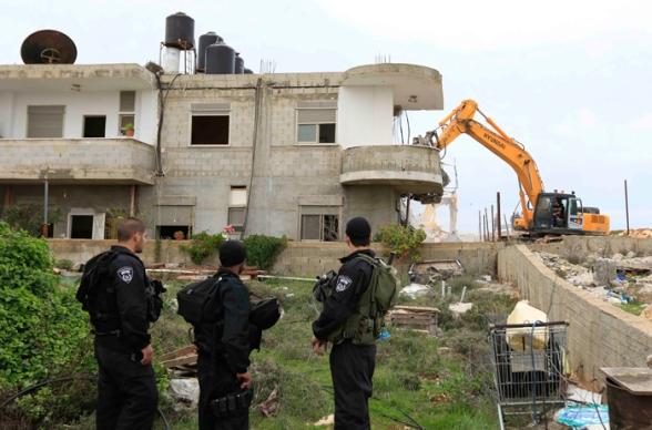 Febr 5 2013 Beit Hanina Home Demolition Palestine - Photo by WAFA 7
