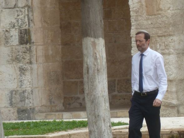 Israeli MK Moshe Feiglin storms al-Aqsa Mosque - Photo by WAFA