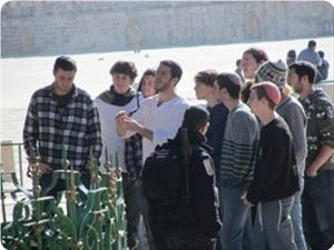 images_News_2013_02_08_aqsa-desecrated-by-settlers_300_0[1]