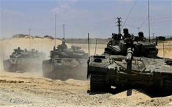 Israeli tanks have opened fire at Palestinian farmers to the east of Khan Younis in the Gaza Strip.