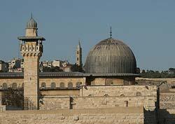 Qatari Prime Minister calls on the international community to exert pressure against Israeli Judaisation plans
