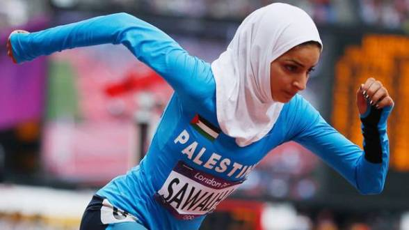 Palestinian Woroud Sawalha running in her 800m heat at the 2012 London Olympics.