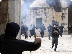 images_News_2013_03_31_Aqsa-confrontation1_300_0[1]