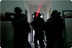 images_News_2013_04_21_prison-night-raid_300_0[1]