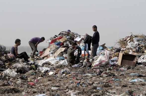PALESTINIAN-GAZA-THEME-POLLUTION